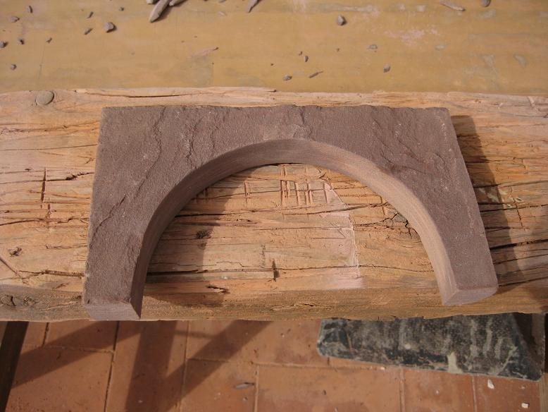 Construcció d'una boca de tunel de pedra (vermella)-(FFCC de la Terrassa) Arc_1010