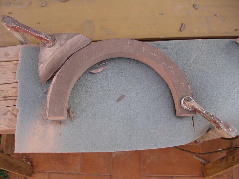 Construcció d'una boca de tunel de pedra (vermella)-(FFCC de la Terrassa) Arc_1210