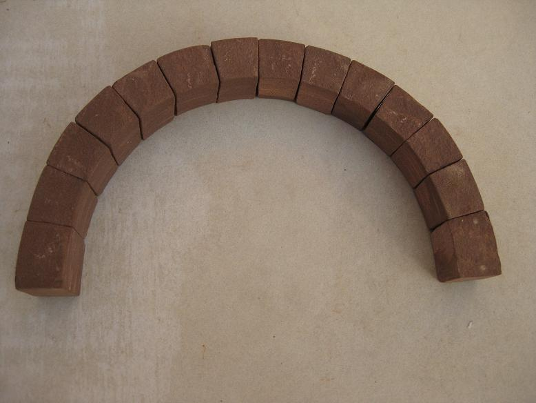 Construcció d'una boca de tunel de pedra (vermella)-(FFCC de la Terrassa) Arc_1410
