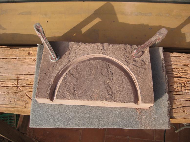 Construcció d'una boca de tunel de pedra (vermella)-(FFCC de la Terrassa) Arc_210