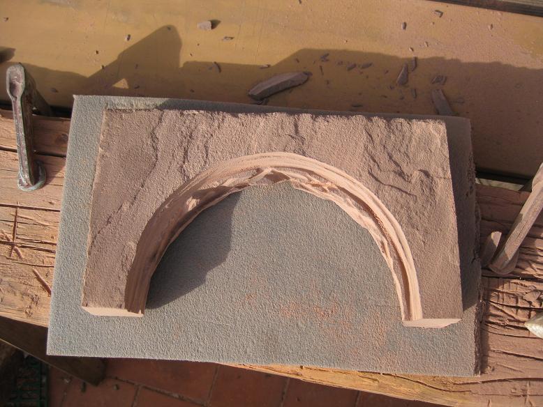 Construcció d'una boca de tunel de pedra (vermella)-(FFCC de la Terrassa) Arc_410