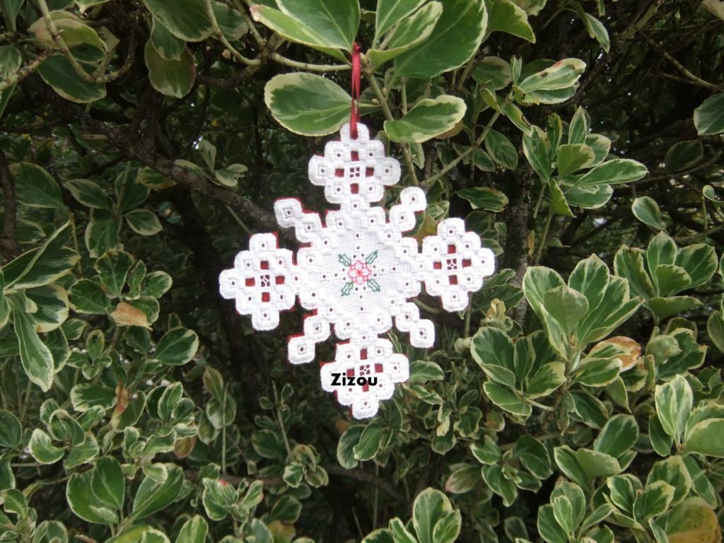Christmas ornament, Humming needles Orname11