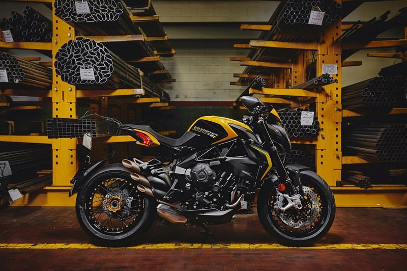 MV Agusta 800 Dragster  - Page 3 15123210