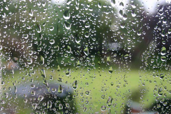 sous la pluie ou dans le brouillard !!! - Page 3 Pluie10