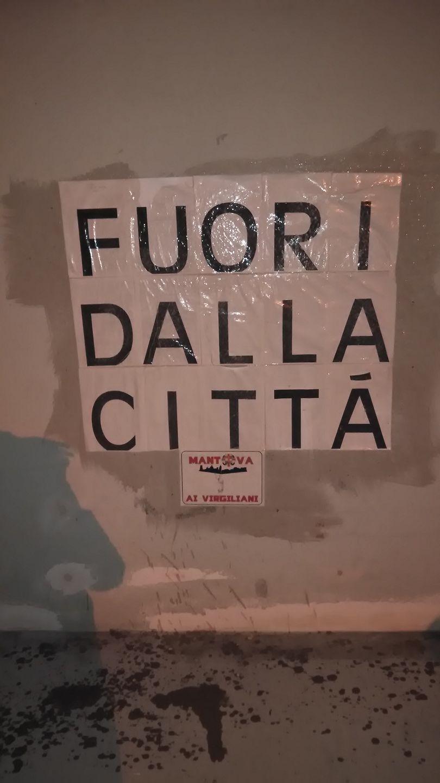 """Mantova: annullato il concerto di Capodanno di """"Bello Figo"""" 15731910"""