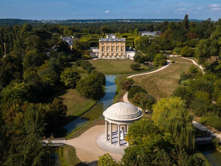 Les jardins du Petit Trianon - Page 2 16473610