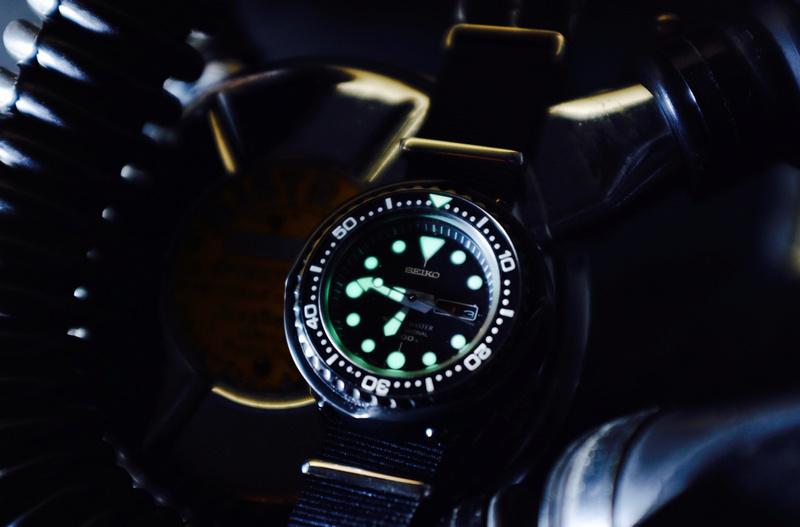 Montre de plongée montre de l'extrême - Page 2 Dscf1920