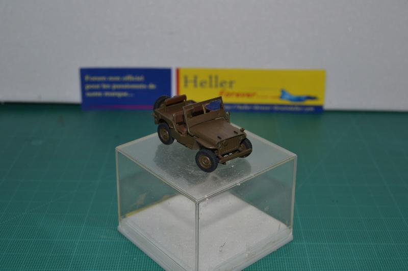 """La 2ème DB """"Jeep - GMC CCKW353 - Sherman M4a2""""  [Heller 1/72] Dsc_0017"""