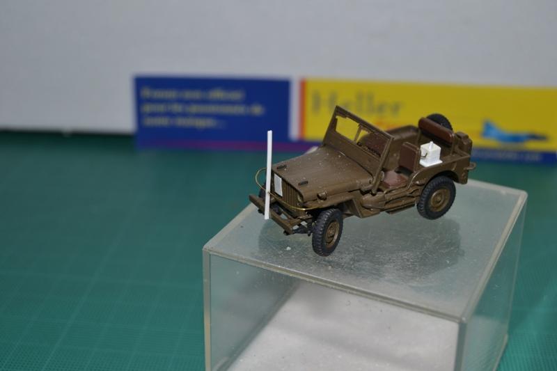 """La 2ème DB """"Jeep - GMC CCKW353 - Sherman M4a2""""  [Heller 1/72] Dsc_0024"""
