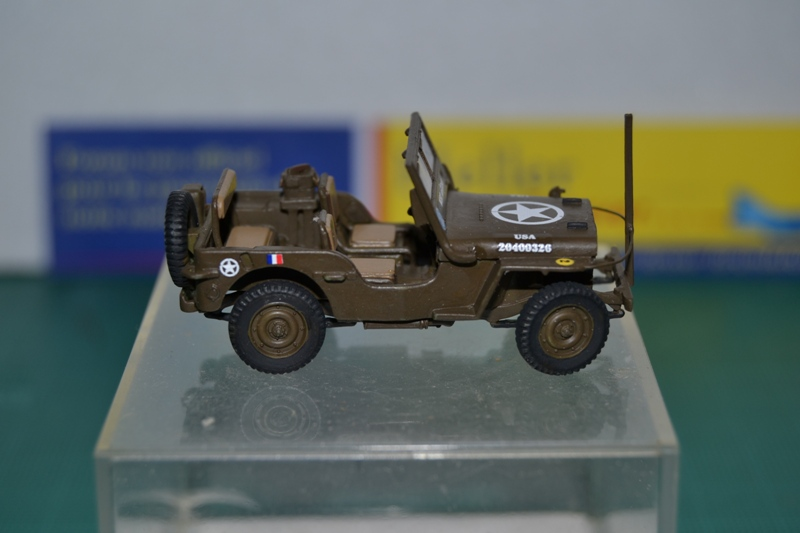 """La 2ème DB """"Jeep - GMC CCKW353 - Sherman M4a2""""  [Heller 1/72] Dsc_0039"""