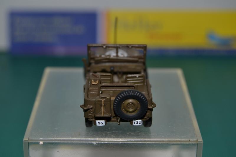 """La 2ème DB """"Jeep - GMC CCKW353 - Sherman M4a2""""  [Heller 1/72] Dsc_0041"""