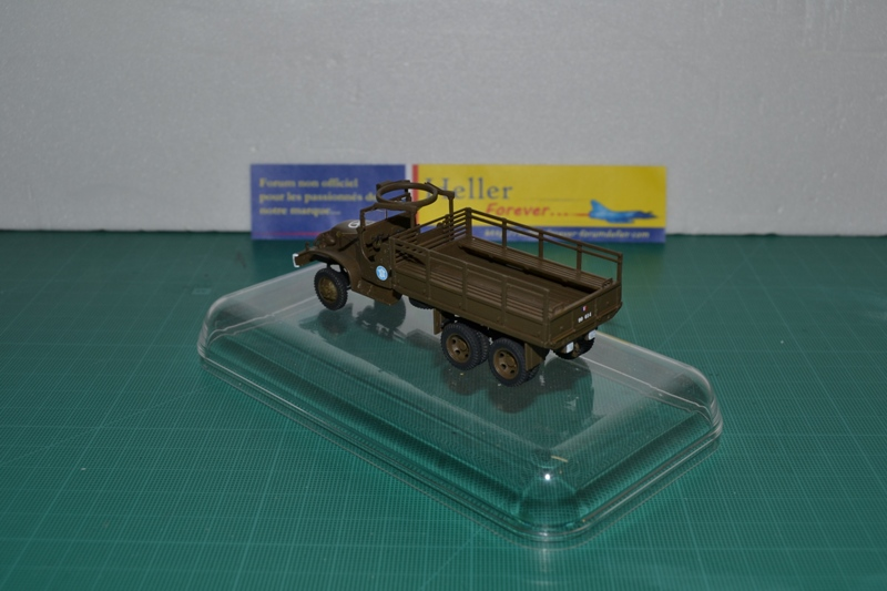 "La 2ème DB ""Jeep - GMC CCKW353 - Sherman M4a2""  [Heller 1/72] - Page 2 Dsc_0046"