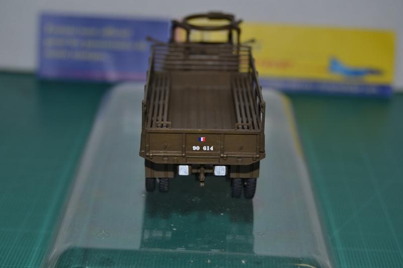 "La 2ème DB ""Jeep - GMC CCKW353 - Sherman M4a2""  [Heller 1/72] - Page 2 Dsc_0047"