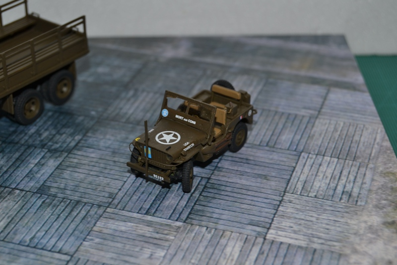 "La 2ème DB ""Jeep - GMC CCKW353 - Sherman M4a2""  [Heller 1/72] - Page 2 Dsc_0050"