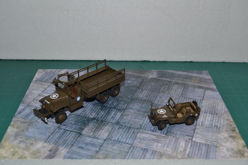"La 2ème DB ""Jeep - GMC CCKW353 - Sherman M4a2""  [Heller 1/72] - Page 2 Dsc_0051"