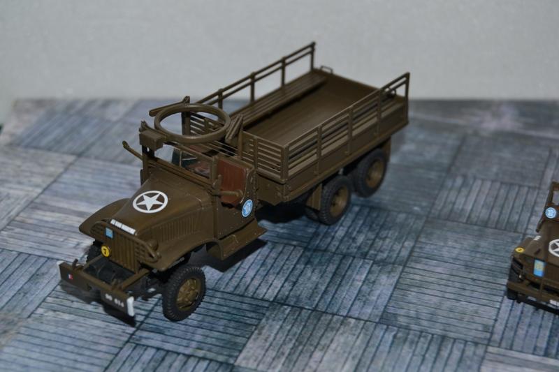 "La 2ème DB ""Jeep - GMC CCKW353 - Sherman M4a2""  [Heller 1/72] - Page 2 Dsc_0052"