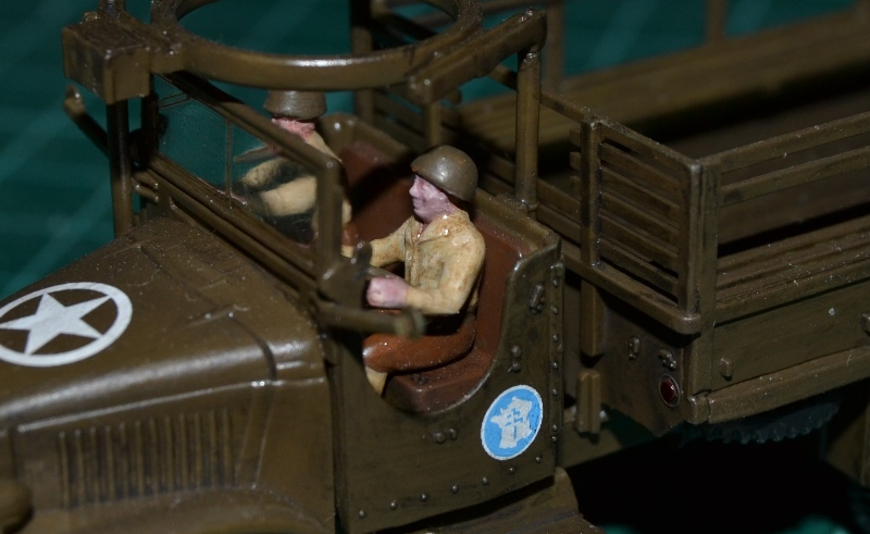 "La 2ème DB ""Jeep - GMC CCKW353 - Sherman M4a2""  [Heller 1/72] - Page 3 Dsc_0196"