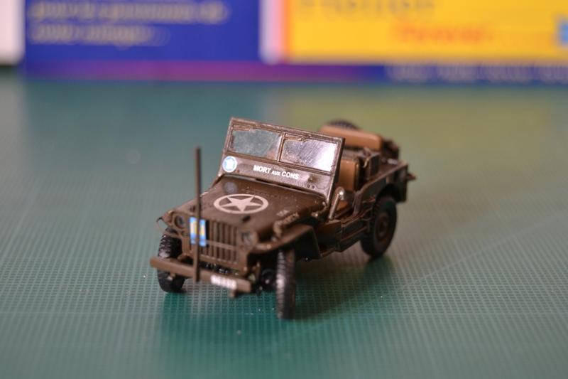 "La 2ème DB ""Jeep - GMC CCKW353 - Sherman M4a2""  [Heller 1/72] - Page 3 Dsc_0205"