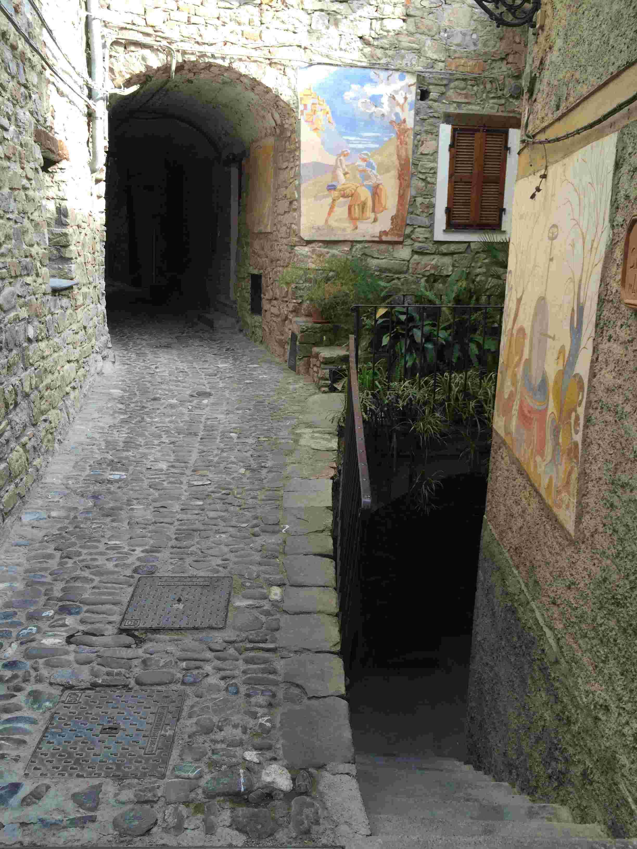 Apricale, le plus beau village d'Italie Aprica15