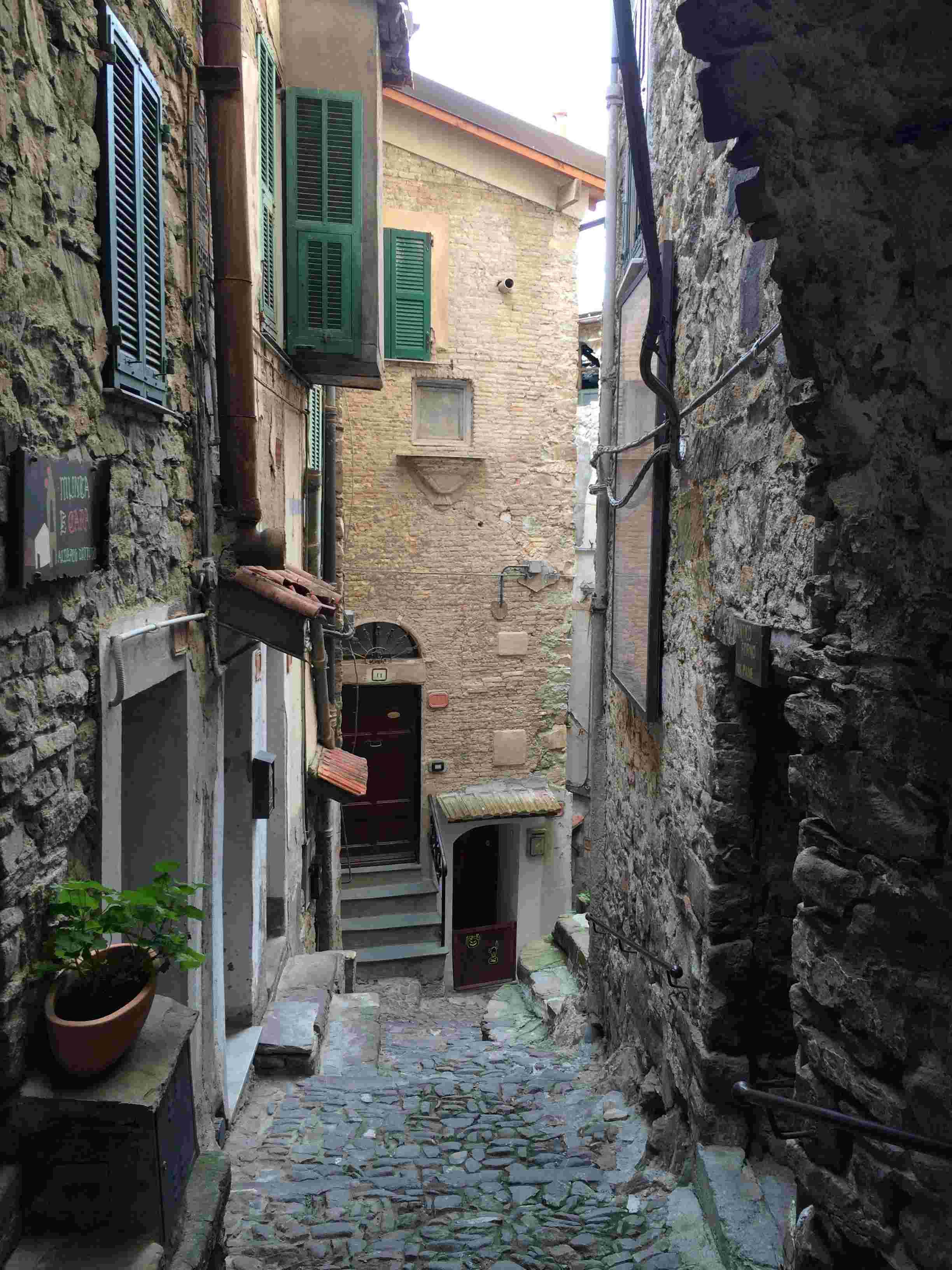Apricale, le plus beau village d'Italie Aprica19