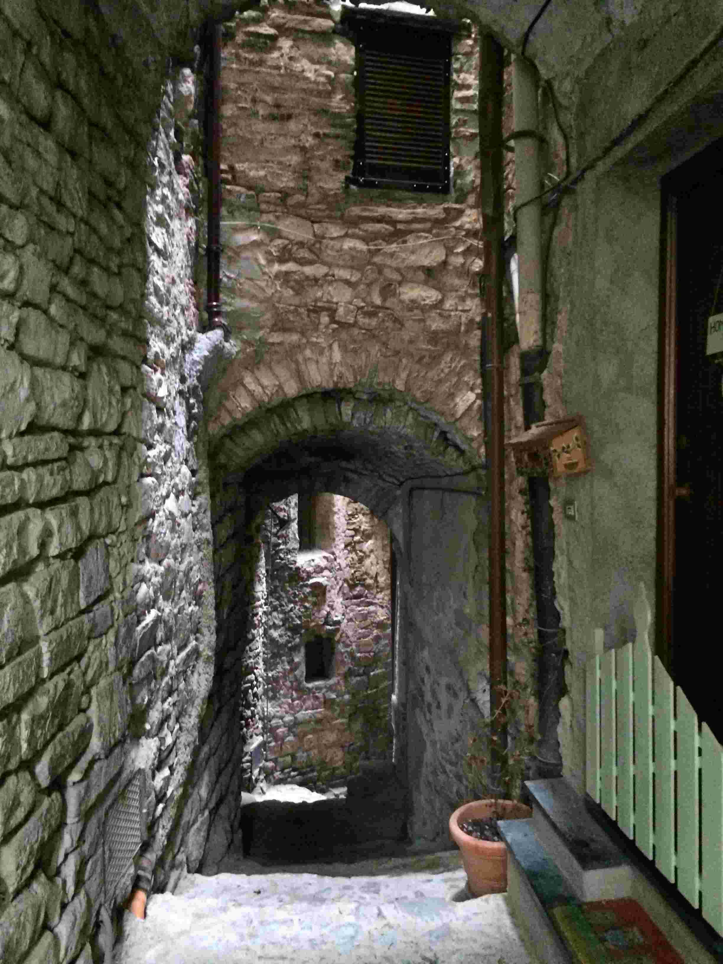 Apricale, le plus beau village d'Italie Aprica22