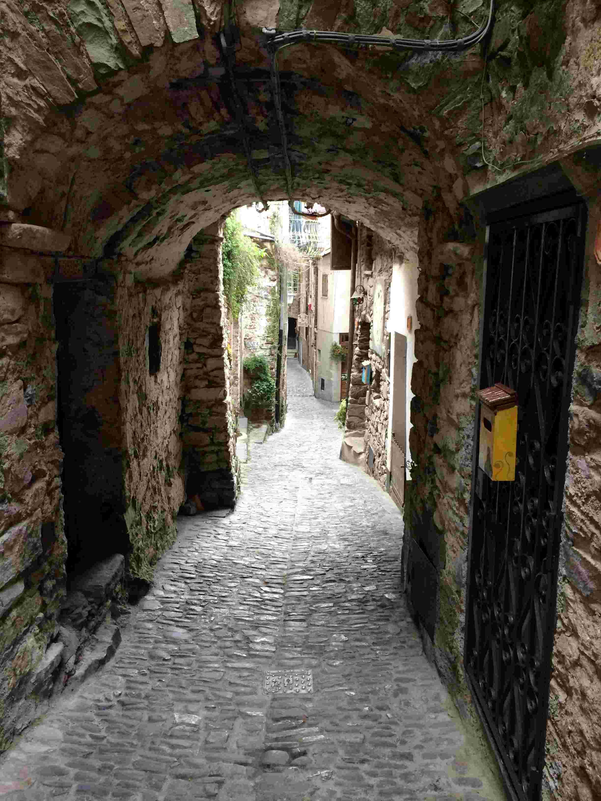 Apricale, le plus beau village d'Italie Aprica23