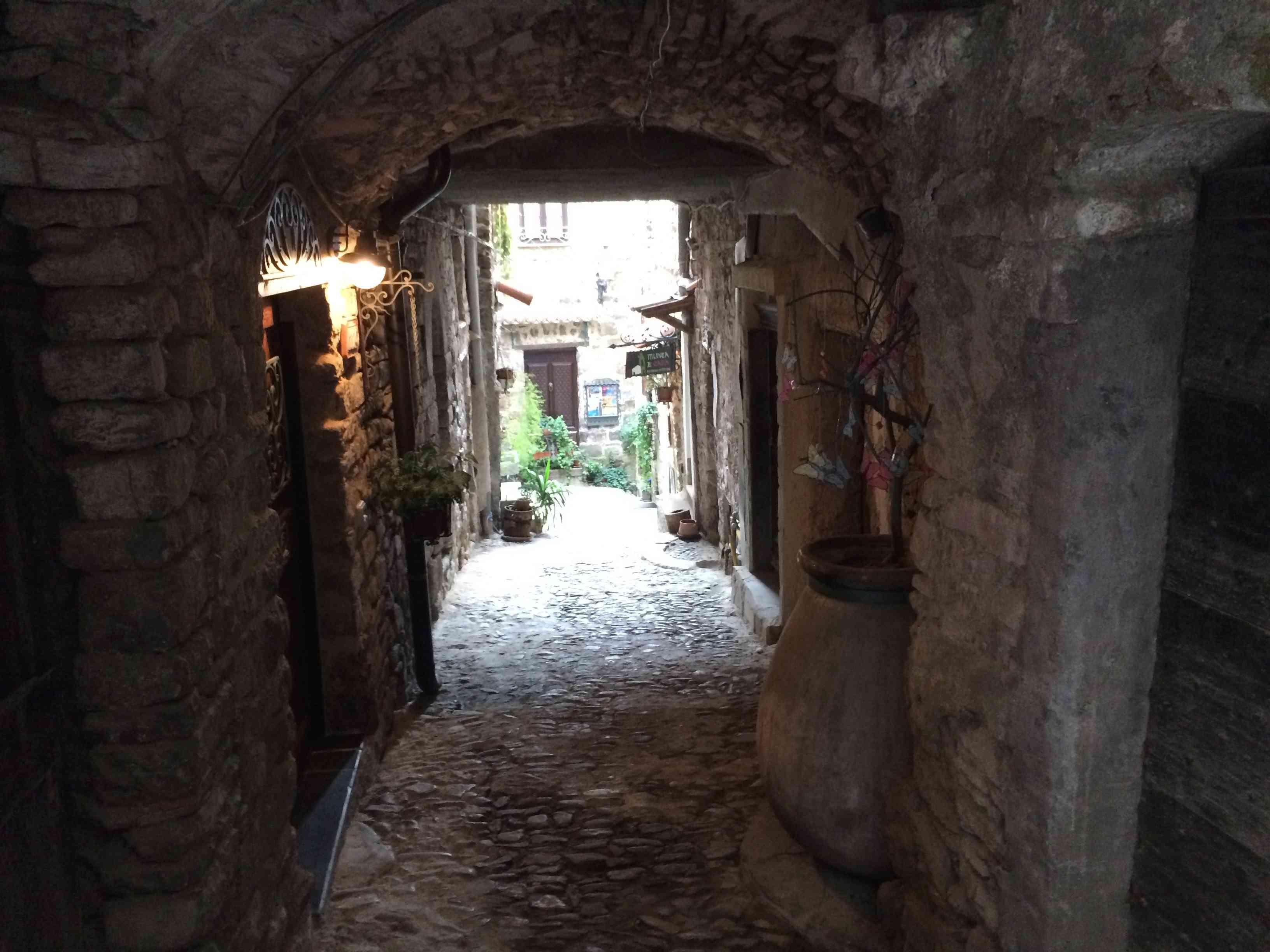 Apricale, le plus beau village d'Italie Aprica26