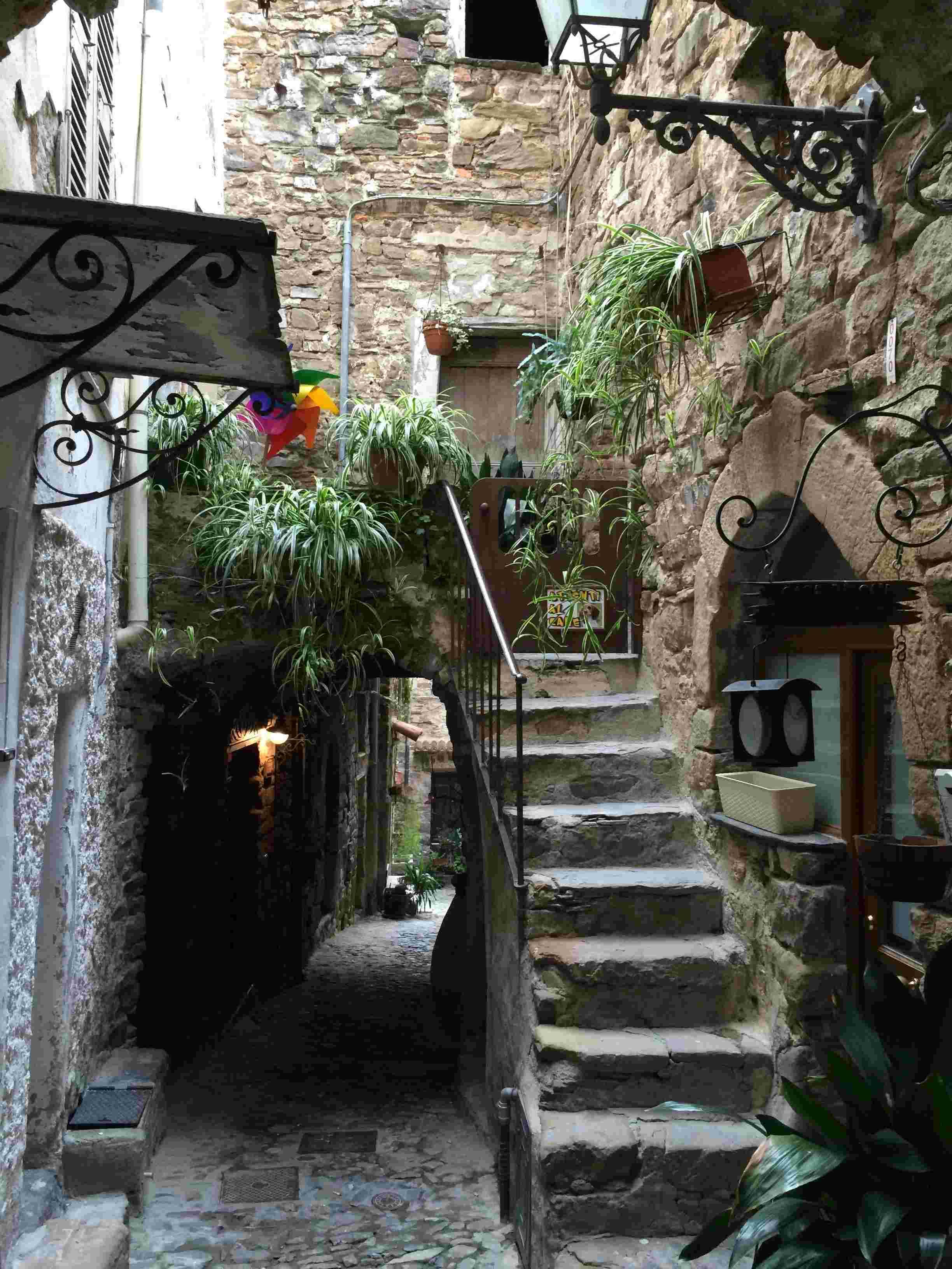 Apricale, le plus beau village d'Italie Aprica29