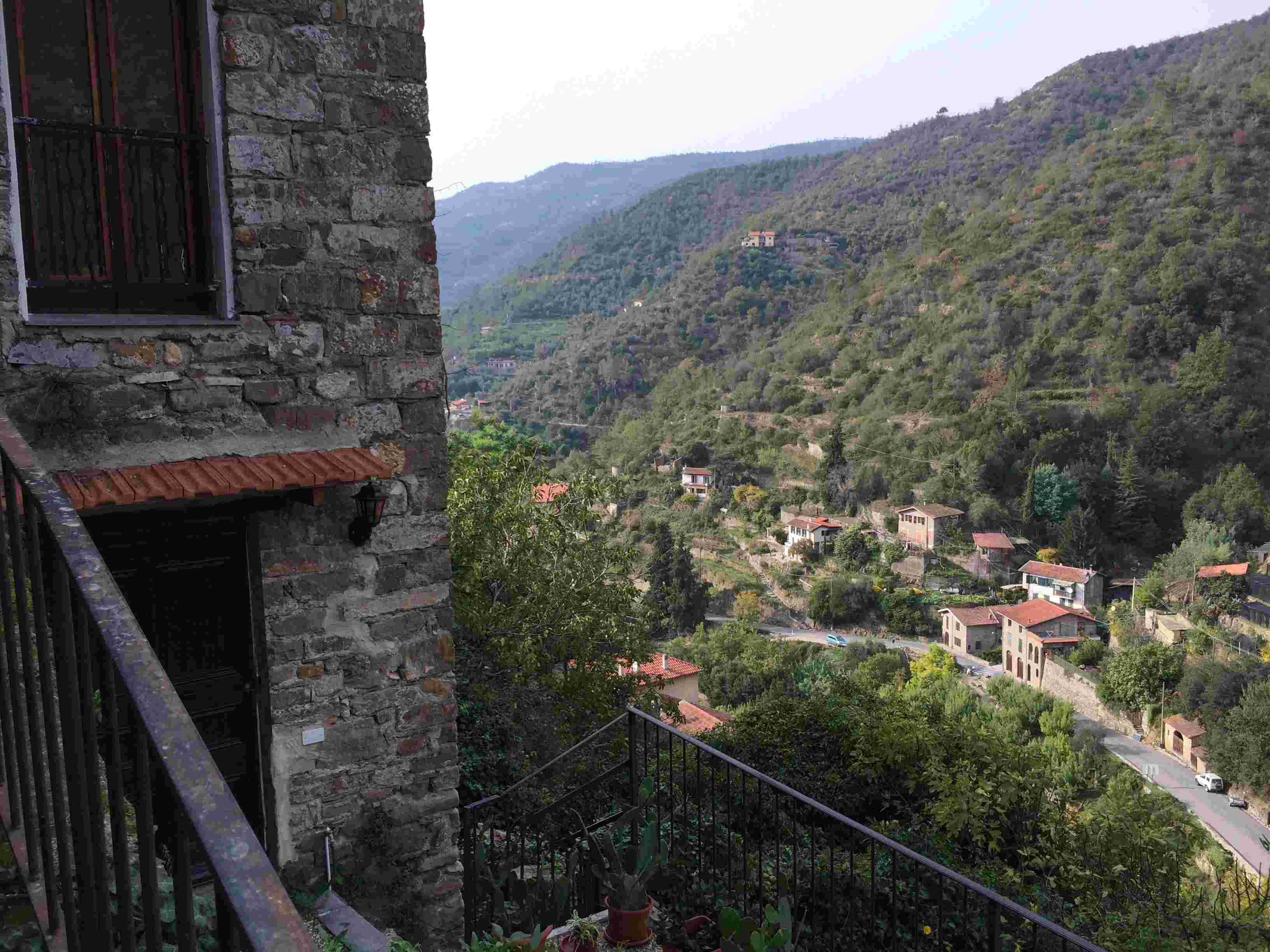 Apricale, le plus beau village d'Italie Aprica34