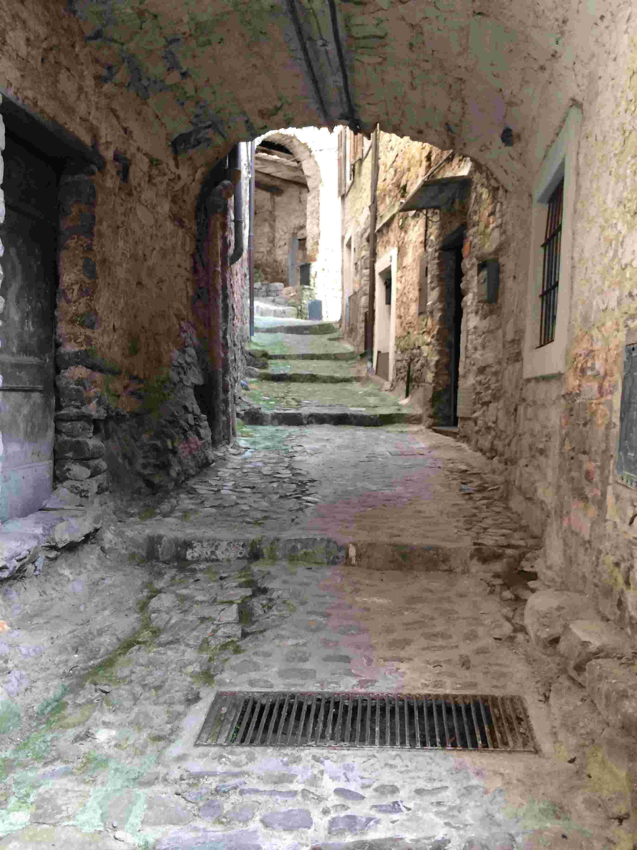 Apricale, le plus beau village d'Italie Aprica36