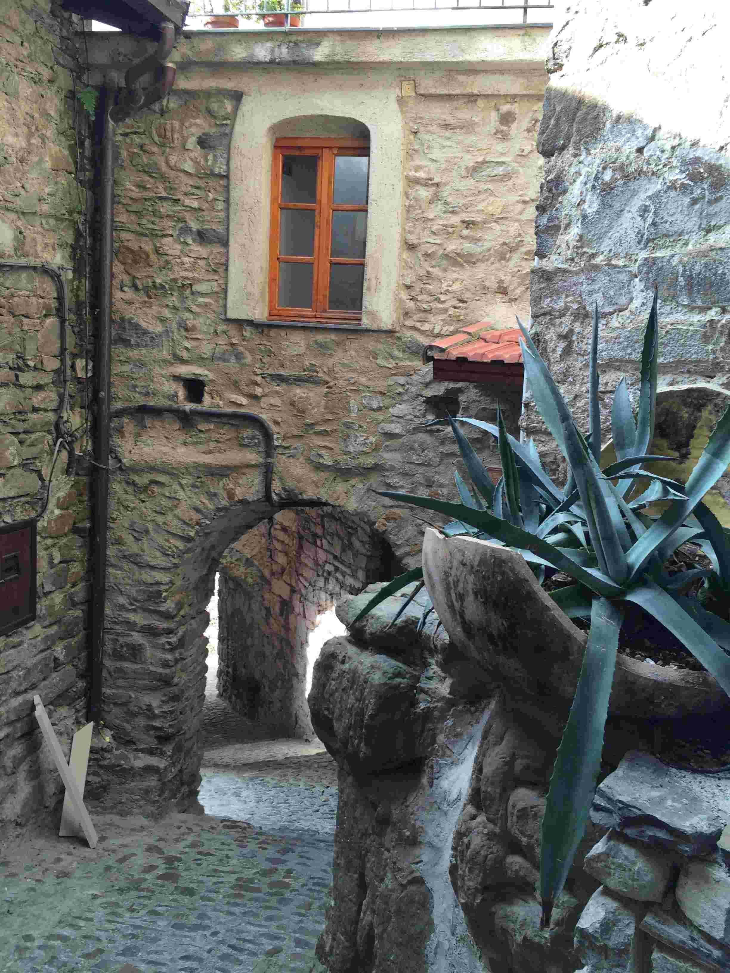 Apricale, le plus beau village d'Italie Aprica38