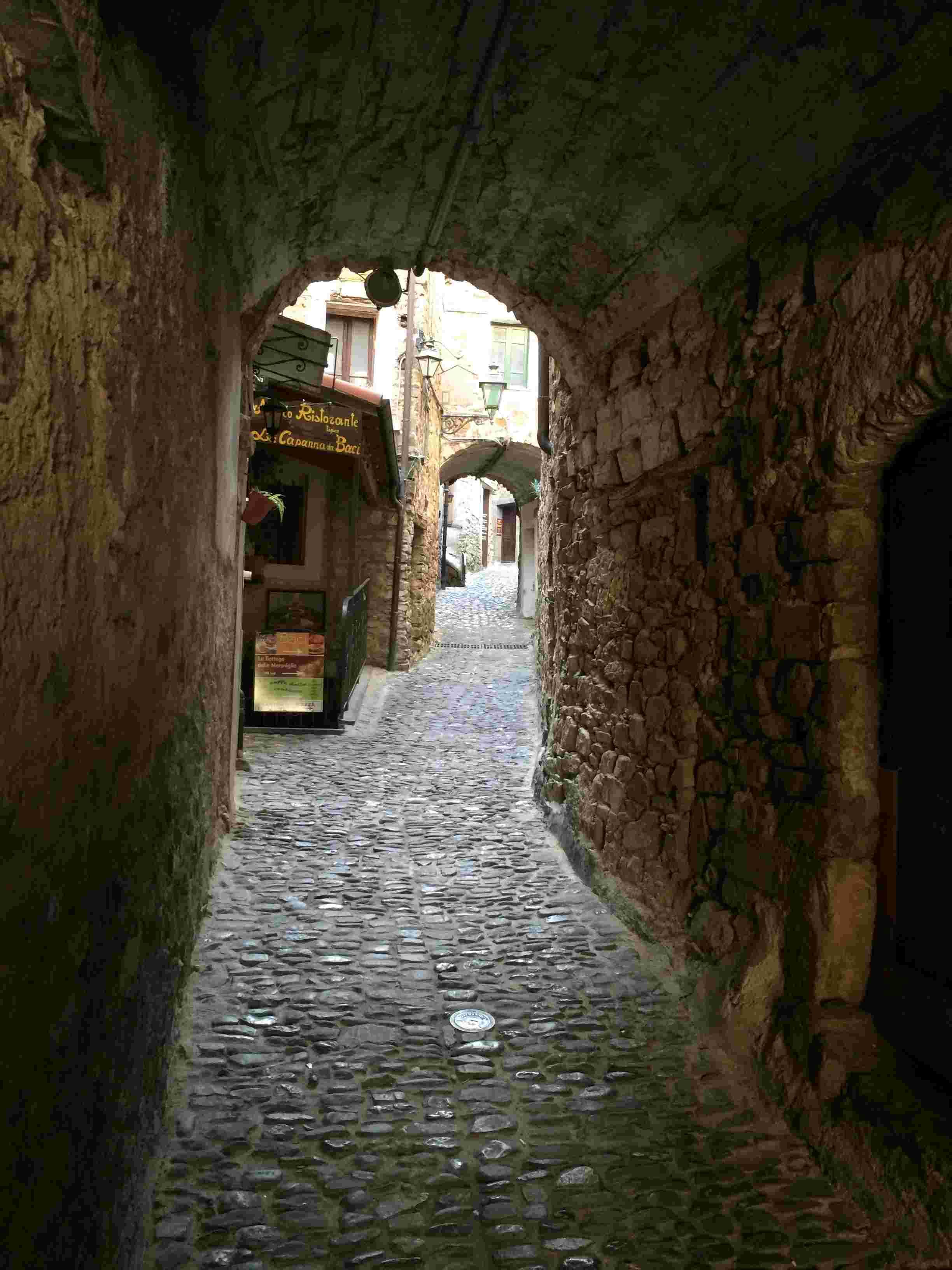 Apricale, le plus beau village d'Italie Aprica44
