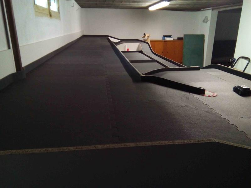 piste dans mon garage Img_2012