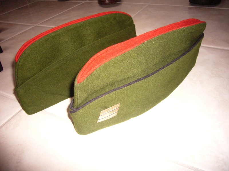 Les bonnets de police P1050312