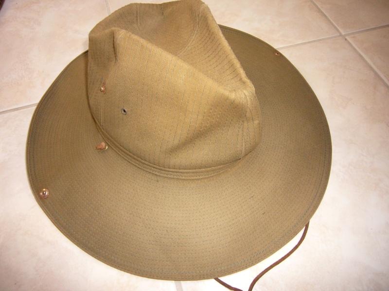 chapeau de brousse de confection civile? P1050431