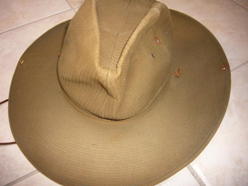chapeau de brousse de confection civile? P1050434
