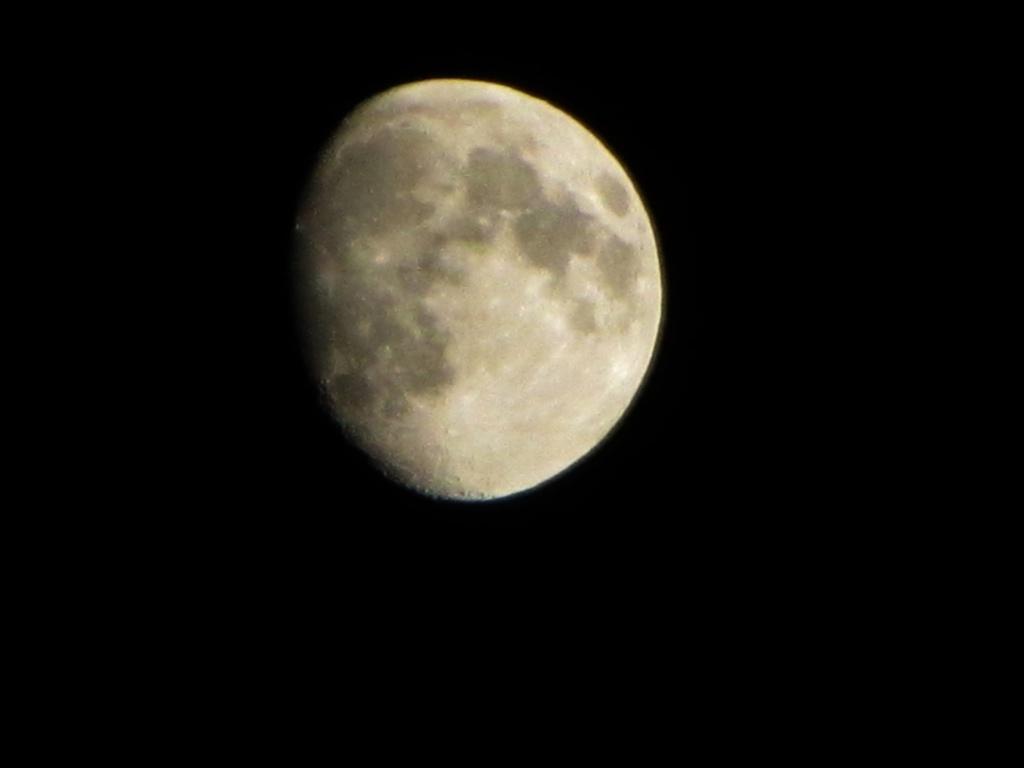 A ne pas oublié; Réunion 19/07/2013 Moon_s10