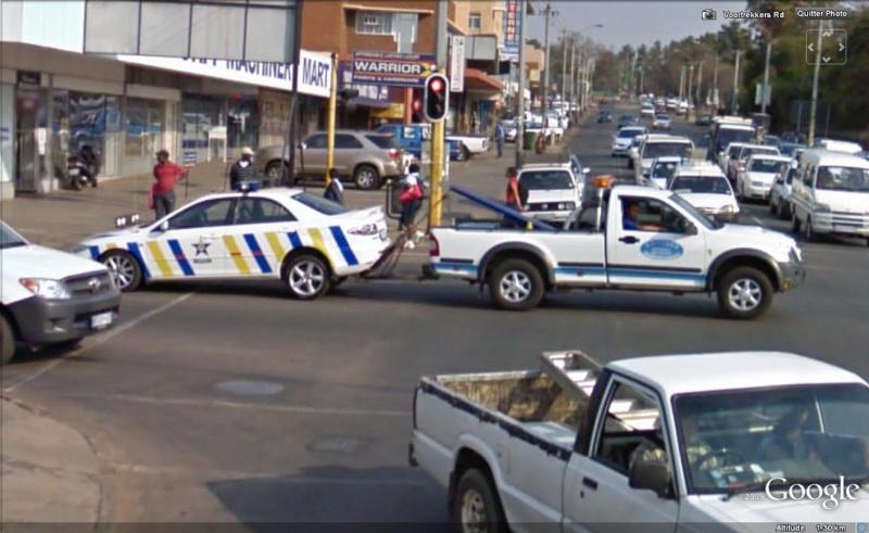 STREET VIEW : véhicules de police du monde - Page 5 Police10