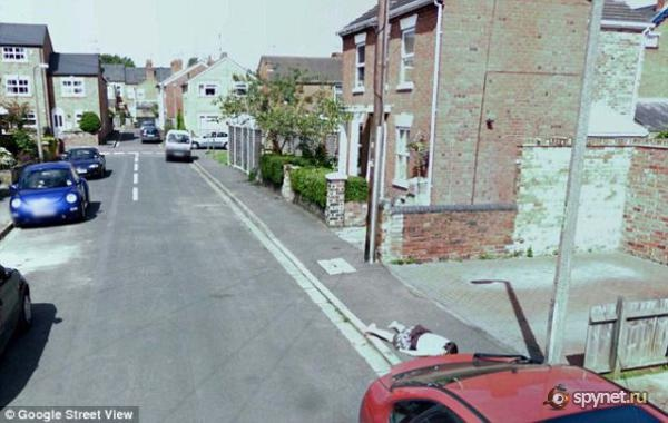 STREET VIEW, Crime, Worcester, Angleterre Untitl11