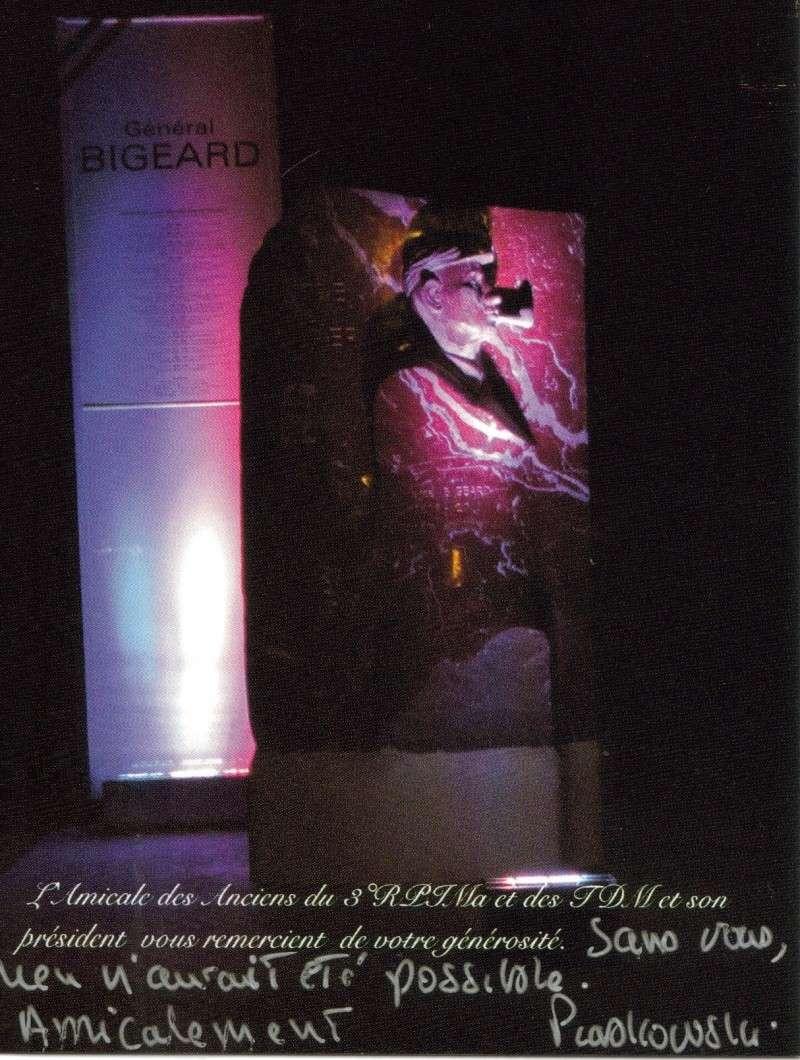 STELE BIGEARD Monume11