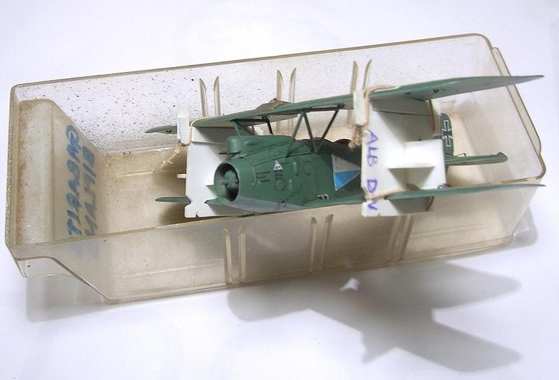 Montage: Albatros D-III Oeffag début de série 153 / Roden 1/72 Montag10