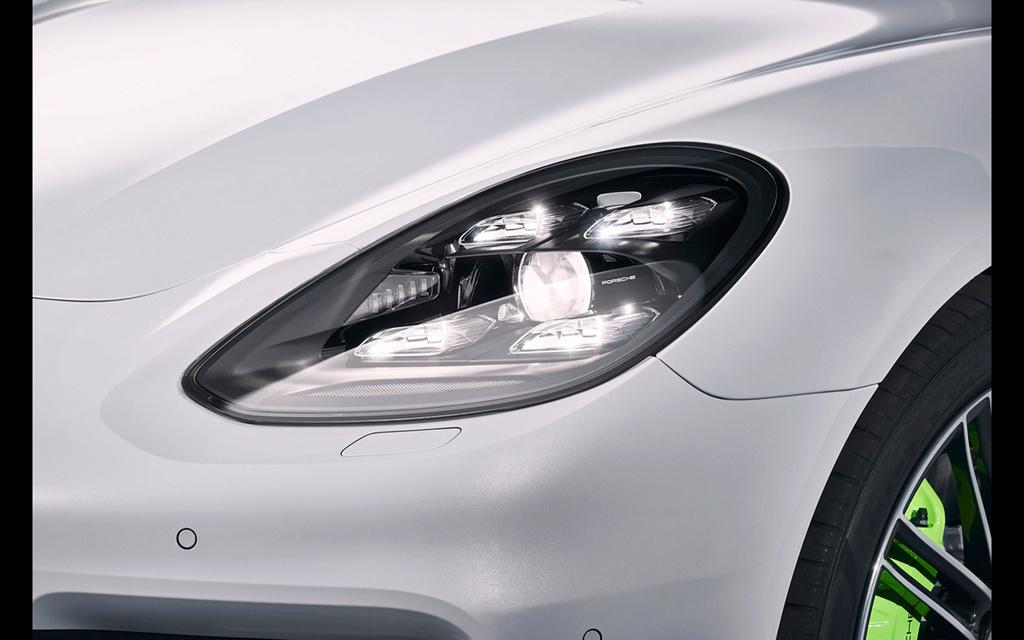2017 Porsche Panamera 4 E-Hybrid 2017-p20