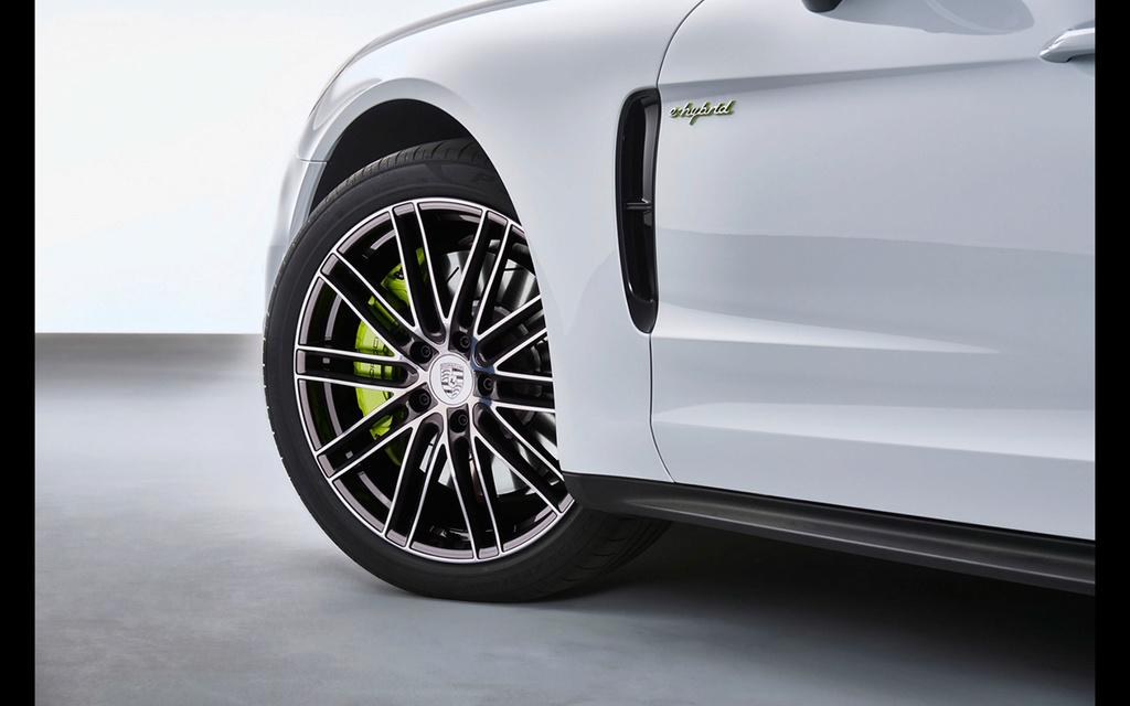 2017 Porsche Panamera 4 E-Hybrid 2017-p21