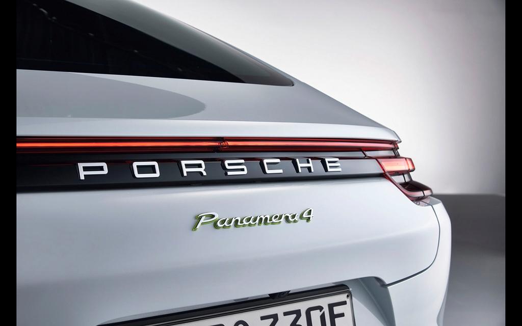 2017 Porsche Panamera 4 E-Hybrid 2017-p22