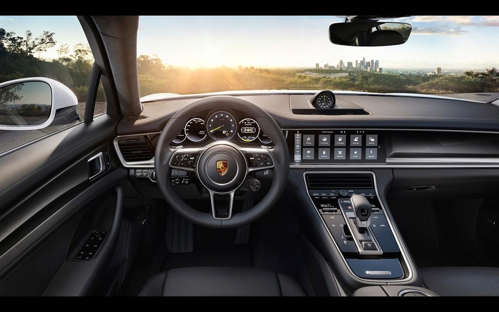 2017 Porsche Panamera 4 E-Hybrid 2017-p25