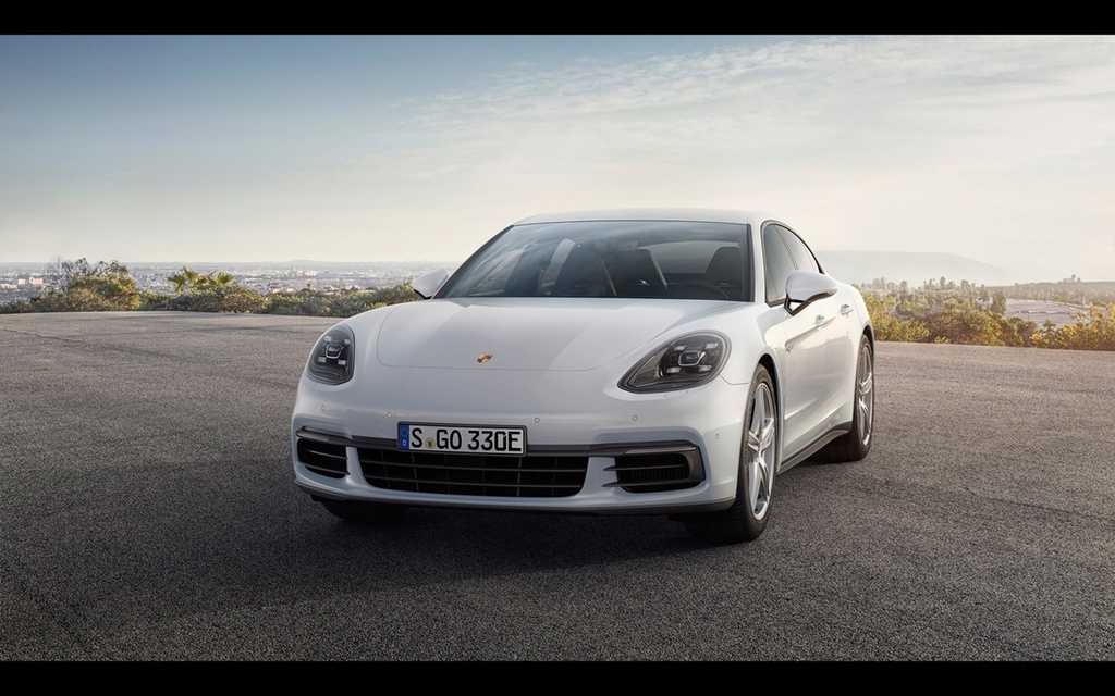 2017 Porsche Panamera 4 E-Hybrid 2017-p28