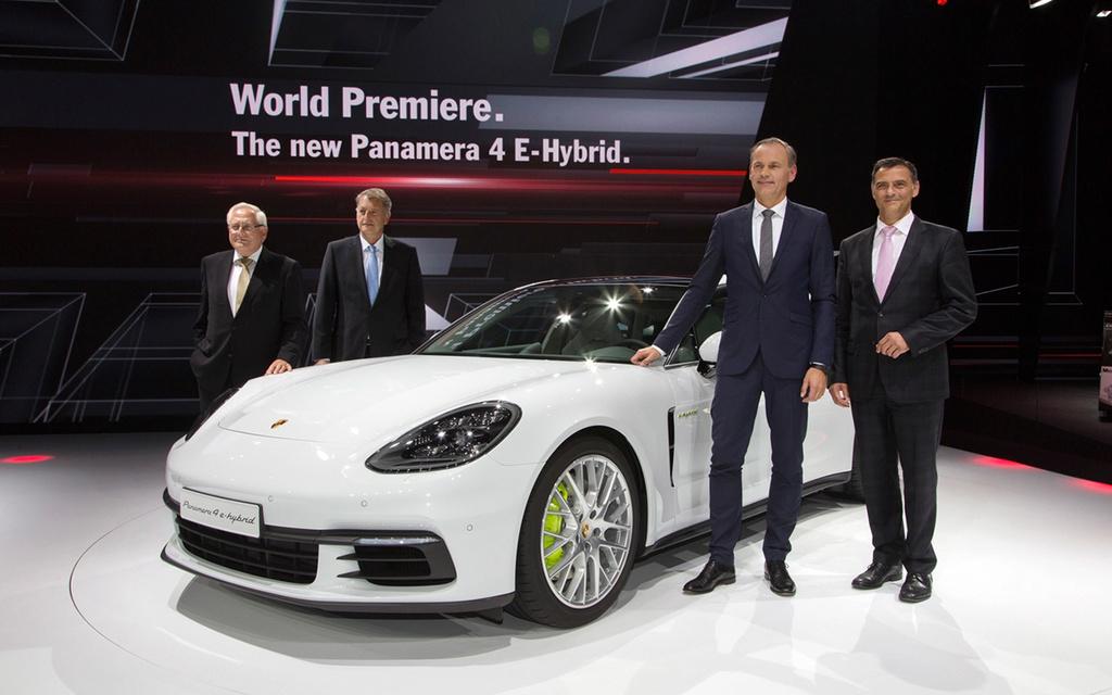 2017 Porsche Panamera 4 E-Hybrid 2017-p32