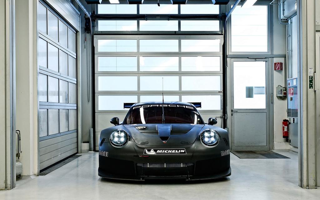 Porsche 911 RSR 2017 :une 911 à moteur central pour les 24h  2017-p42