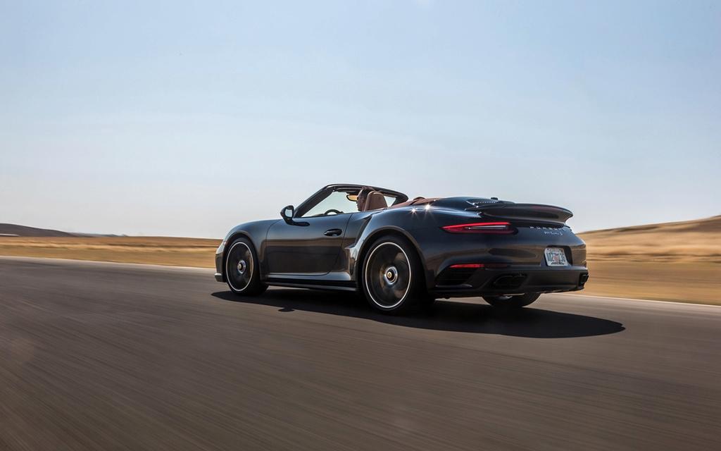 2017 Porsche 911 Turbo and 911 Turbo S 2017-p45