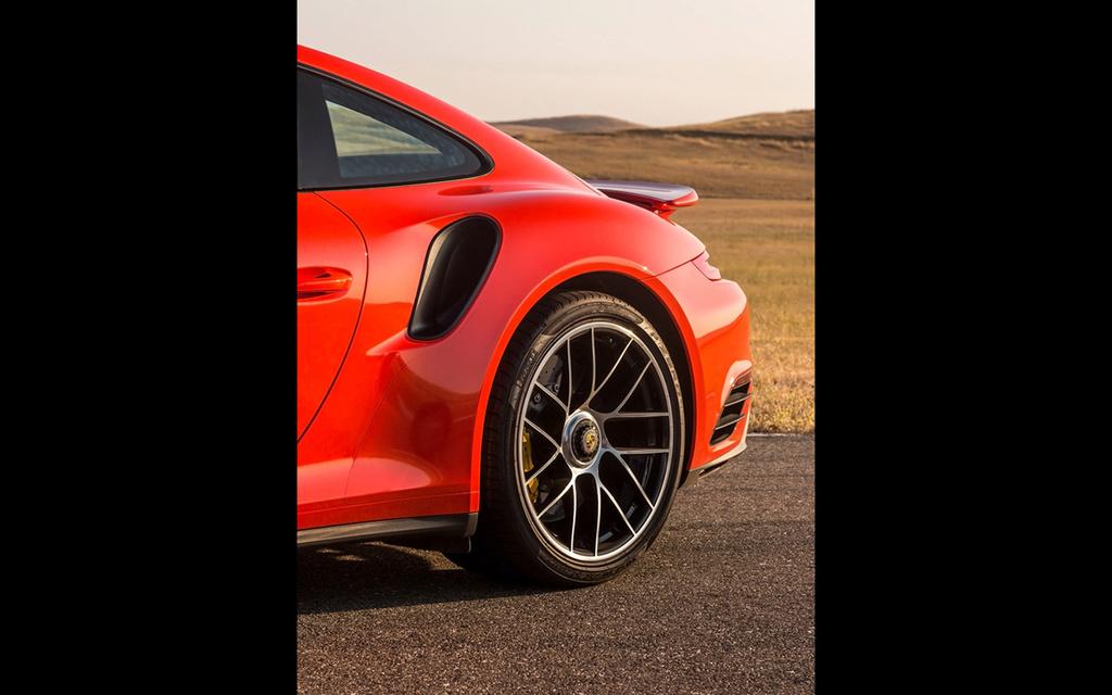 2017 Porsche 911 Turbo and 911 Turbo S 2017-p51